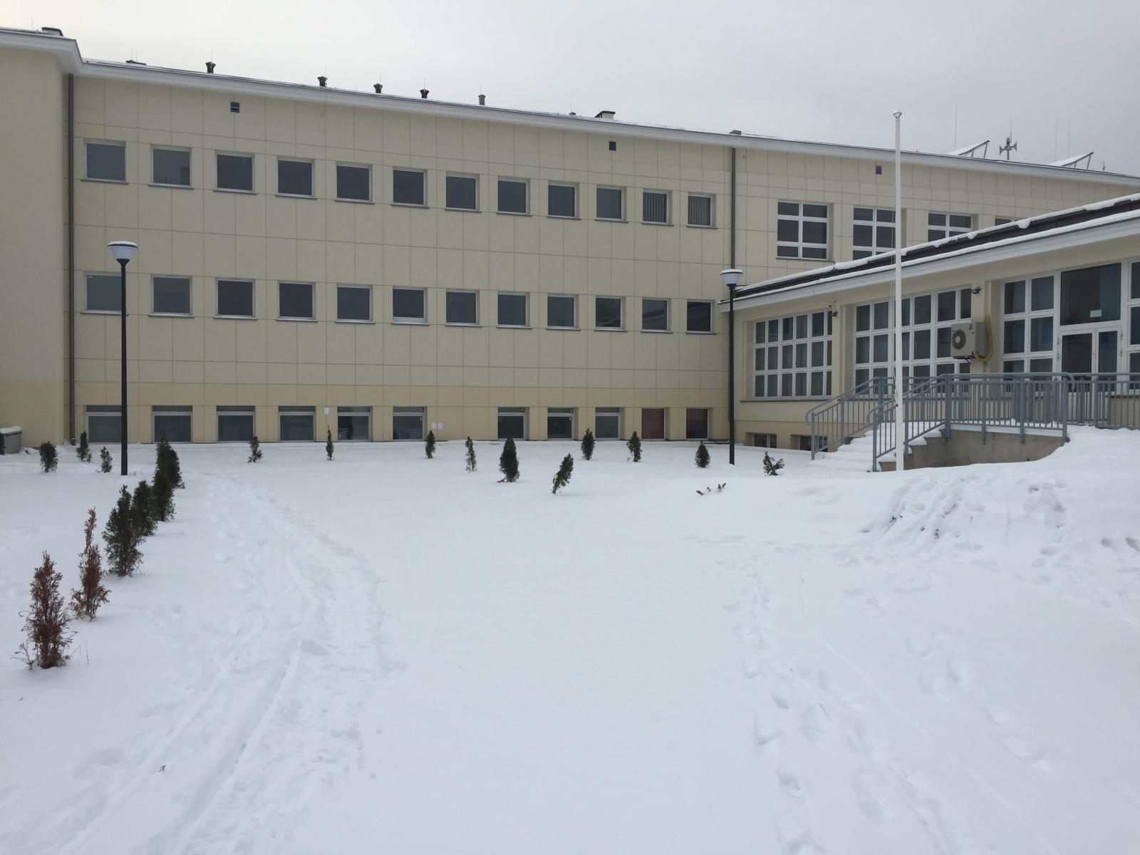Szkoła w zimowej szacie